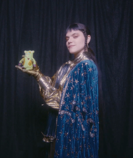 Soko s'essaie à la magie pour Gia Coppola