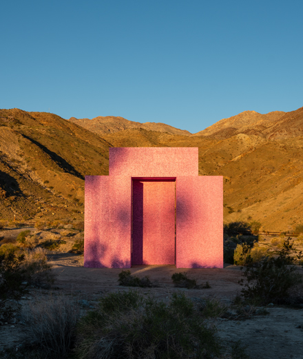 In the desert: the best of monumental contemporary art