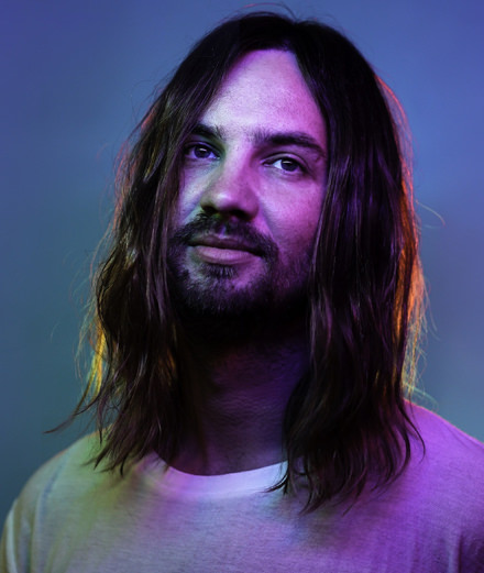 Tame Impala dévoile deux titres de son album au Saturday Night Live