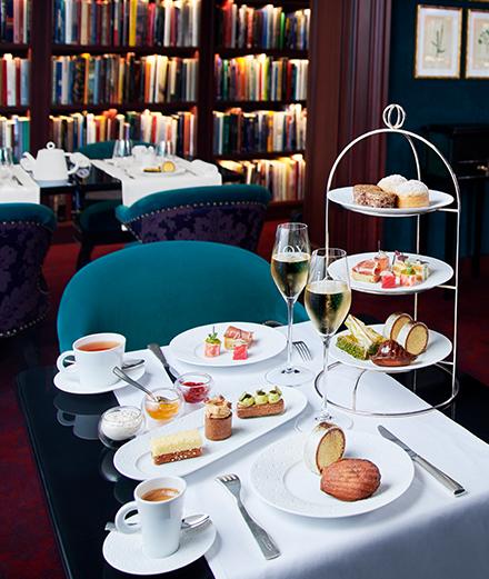 Une pause sucrée d'exception à l'hôtel Le Fouquet's