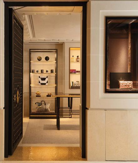 Le Cabinet de Curiosités de Thomas Erber s'installe au Crillon