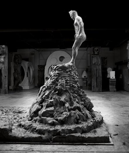 Thomas Houseago : les coulisses de son exposition au musée d'Art moderne