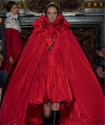 Le défilé Valentino haute couture automne-hiver 2016-2017