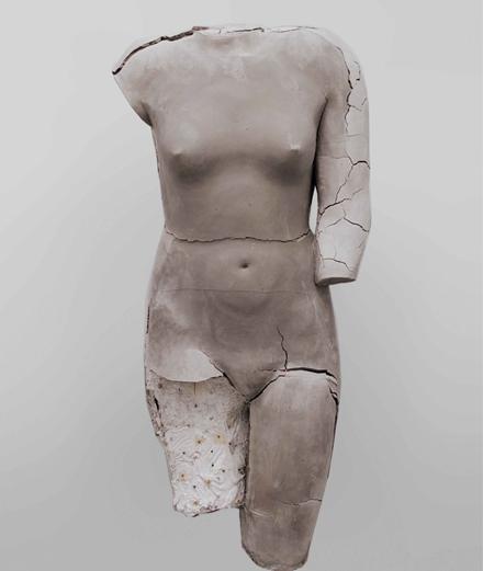 Vanessa Beecroft surprend tout le monde à Los Angeles avec sa céramique