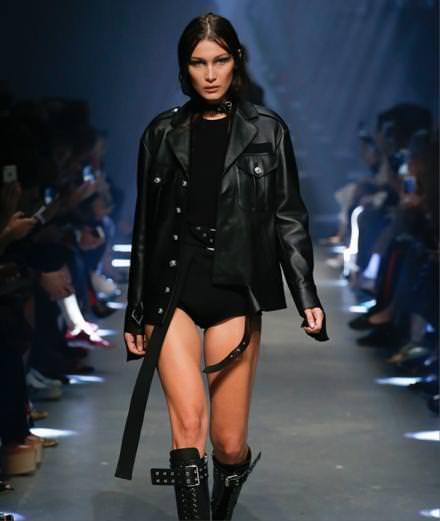 Le défilé Versus Versace printemps-été 2017