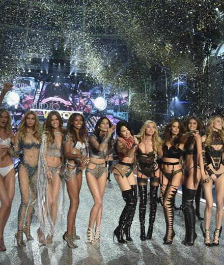 Le défilé spectaculaire de Victoria's Secret au Grand Palais