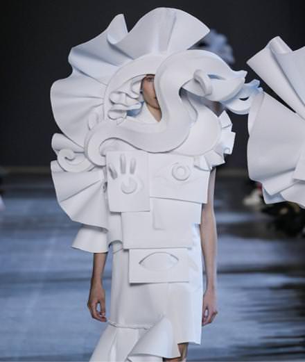 Le défilé Viktor&Rolf haute couture printemps-été 2016
