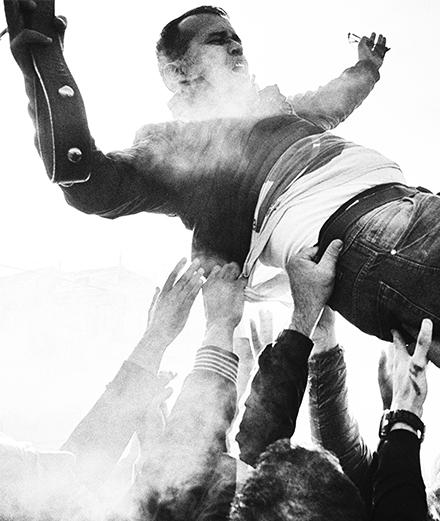 L'Algérie survoltée du photographe Youcef Krache