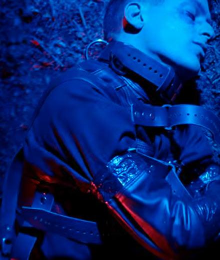 """Arca célèbre la sortie de son album éponyme avec le clip """"Desafío"""""""