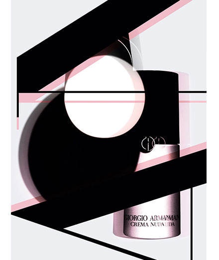 """""""Manifeste"""", les soins du visage de Giorgio Armani, Dior, Chanel, La Prairie etc.  photographiés par Simone Cavadini"""
