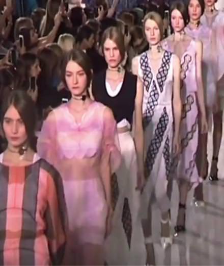 Le défilé Dior printemps-été 2016