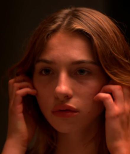 """Le clip énigmatique de Pone pour """"Slow Motion"""""""