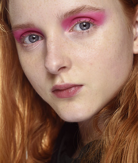 Eye shadows, inflict pink
