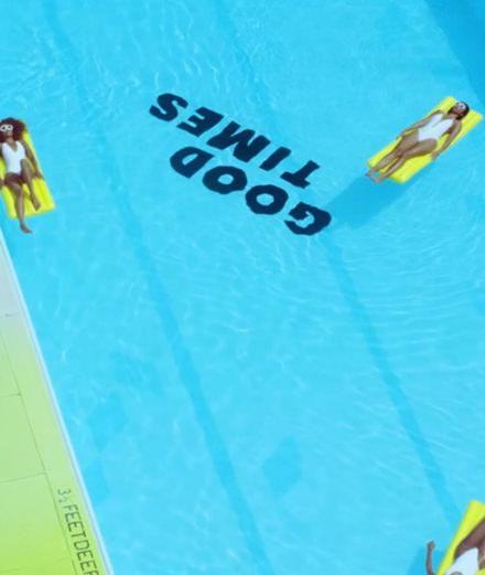 """Avec """"There's gonna be (good times)"""" Jamie xx partage un nouveau clip euphorisant"""