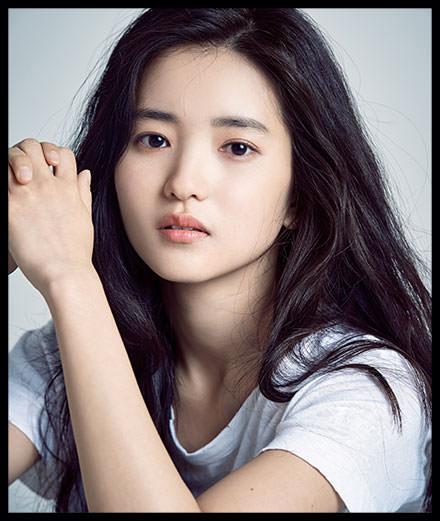 Kim Tae-ri est le nouveau visage de Flower by Kenzo