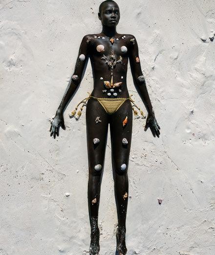 """Exclusive : """"Sous le soleil des tropiques"""" a fashion story by Txema Yeste"""