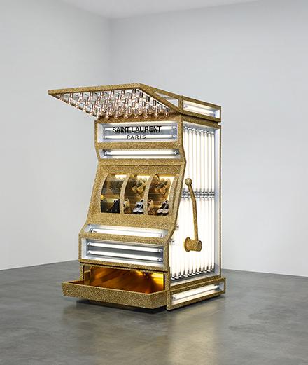 L'objet fétiche : Casino Royale par Saint Laurent Paris