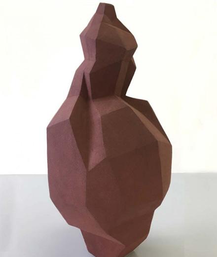 Portfolio : la céramique contemporaine s'expose au Peninsula Paris
