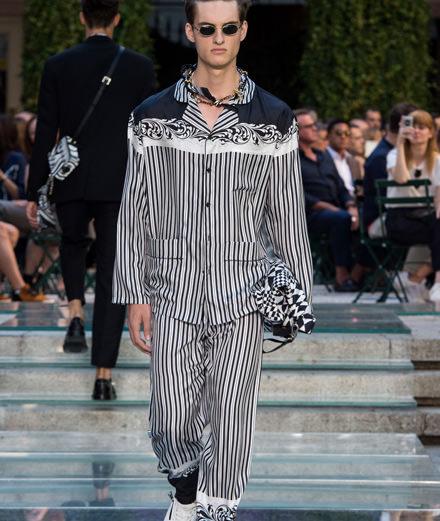Le défilé Versace printemps-été 2018