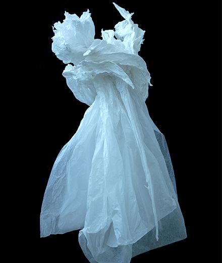 La Maison Guerlain accueille les anges de l'artiste Claudine Drai