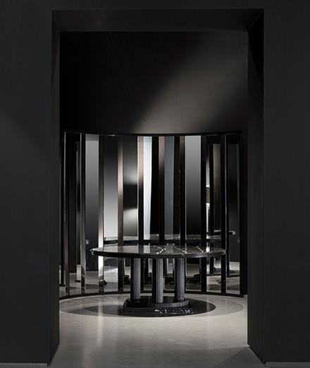 Karl Lagerfeld expose sa première collection de mobilier design