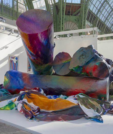 FIAC 2018 : Katharina Grosse installe un bûcher incandescent au Grand Palais