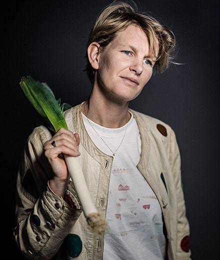 Ce qu'il faut savoir de Laure Prouvost, artiste invitée du Studio des Acacias et de la Biennale de Venise