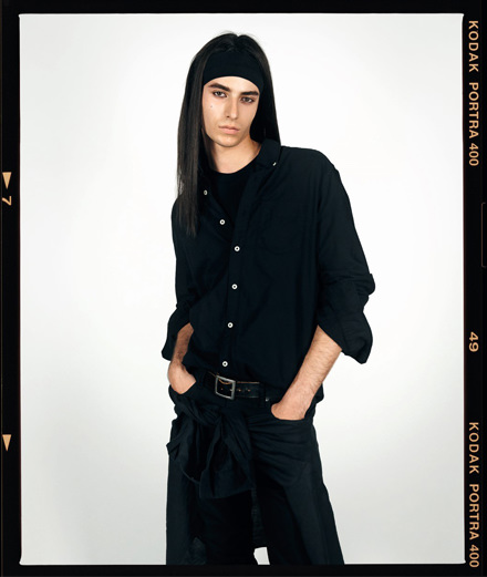 À quoi ressemblait le photographe Steven Meisel à 20 ans ?