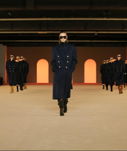 Comment Olivier Rousteing revisite le style bourgeois chez Balmain