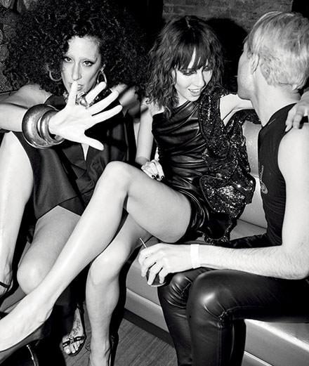 "La série mode ""Night-clubbing"" par Alexi Lubomirski"