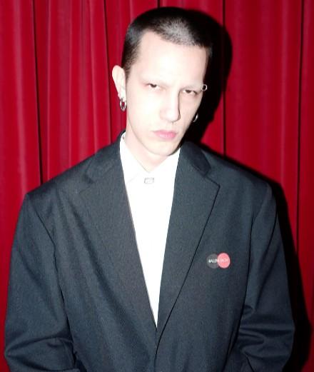 Qui est BFRND, le musicien des shows Balenciaga?