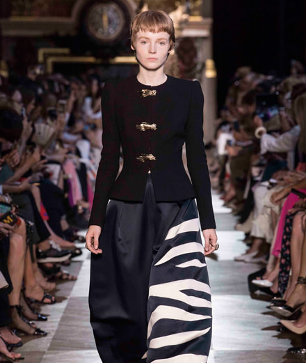 Le défilé Schiaparelli haute couture automne-hiver 2018-2019