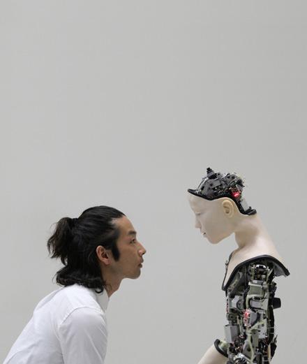 Who is Yuko Hasegawa, a japanese art authority ?