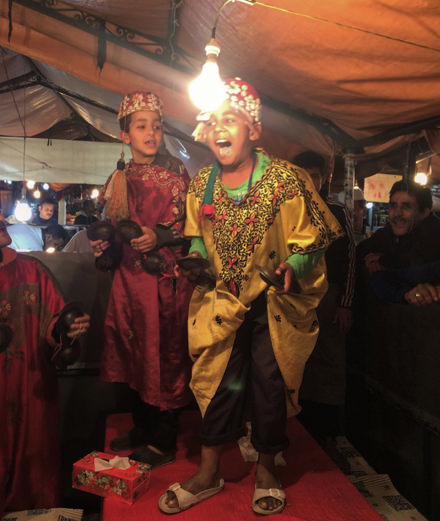 Tino Sehgal enflamme la place Jemaa el-Fna à Marrakech