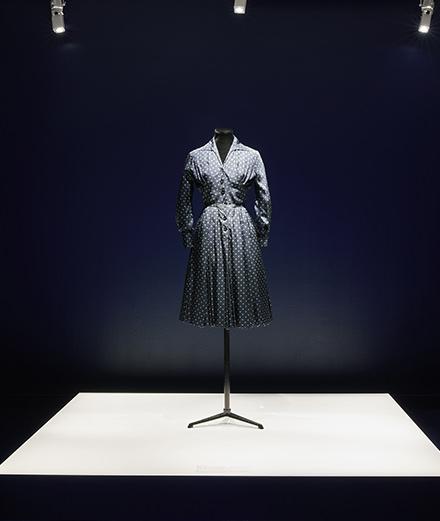 Dior célèbre la couleur bleu aux Galeries Lafayette