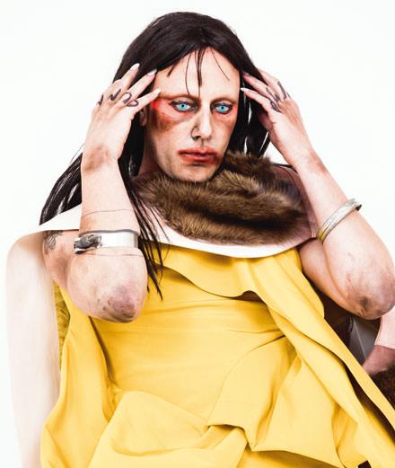 "Rencontre avec Christeene, ""drag terrorist"" anticonformiste"