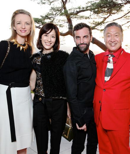 Quelles étaient les personnalités présentes au défilé Louis Vuitton croisière 2018 ?