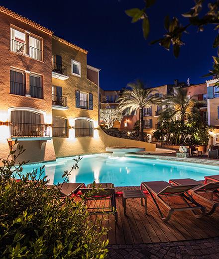 Comment l'hôtel Byblos de Saint-Tropez est devenu un lieu mythique