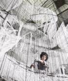 L'installation spectaculaire de Chiharu Shiota au Bon Marché Rive Gauche