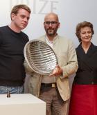 Qui est le grand gagnant du premier Prix d'artisanat Loewe ?