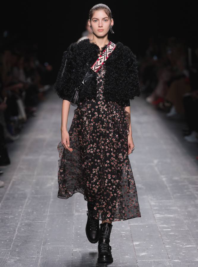 Valentino fall-winter 2016-2017 runway show