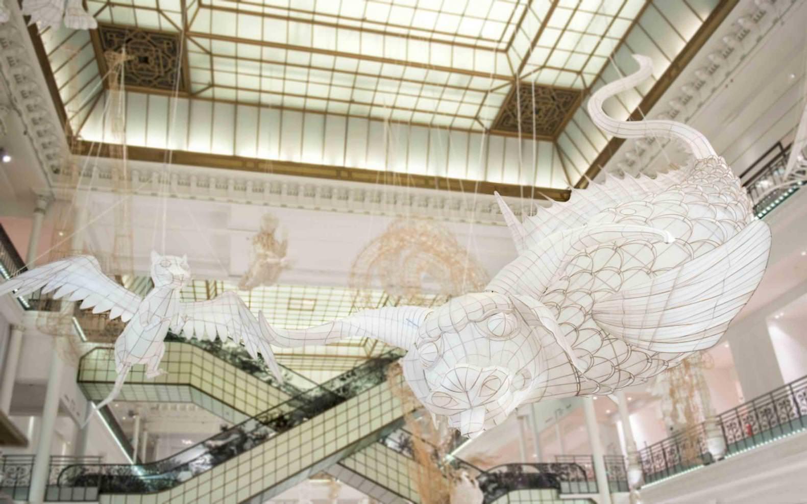 Pour son exposition au Bon Marché Rive Gauche, l'artiste chinois Ai Weiwei s'est inspiré du plus célèbre livre de mythologie chinoise, le Shanhaijing, écrit entre le – IIIe et le IIIe siècle avant J.-C. © Gabriel de la Chapelle