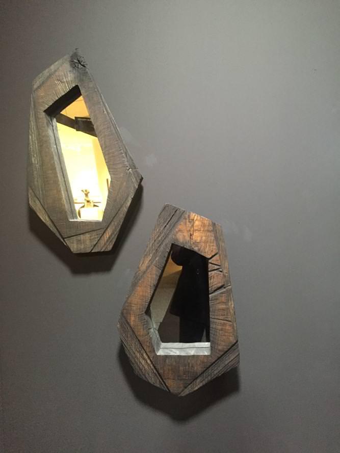 """""""Miroirs #1 et #2"""" (2016) de Denis Milovanov. Chêne massif desséché, finition bain d'huile de lin. Galerie Armel Soyer."""