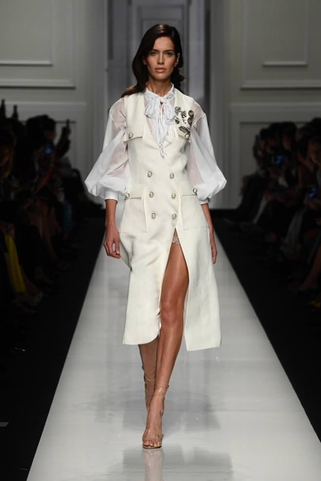 cbd46c67faa Ermanno Scervino Spring-Summer 2017 runway show. Fashion Week. Find all the  looks from the Ermanno Scervino Spring-Summer ...