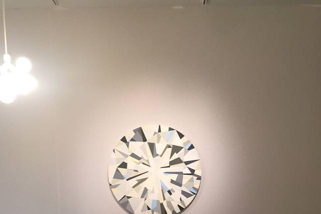 """""""Sans titre"""" (2016) de Clémence Seilles. Mousse polyvinyle. Galerie Torri."""