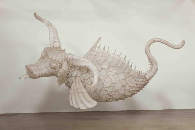 22 des créatures du Shanhaijing sont réinterprétées et réalisées en 3 dimensions et enfin suspendues à la verrière centrale du Bon Marché Rive Gauche, pouvant ainsi être observées depuis tous les étages du lieu.